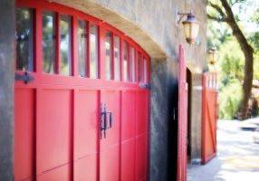 garage-door-553458_640